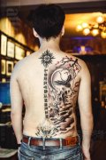 半背传统水墨纹身作品