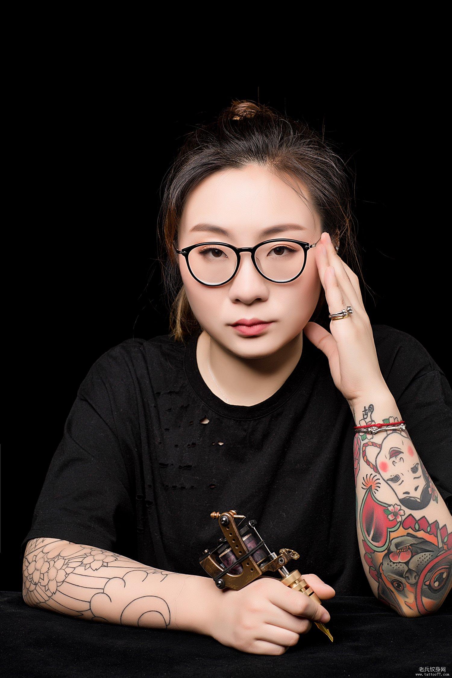 武汉女纹身师