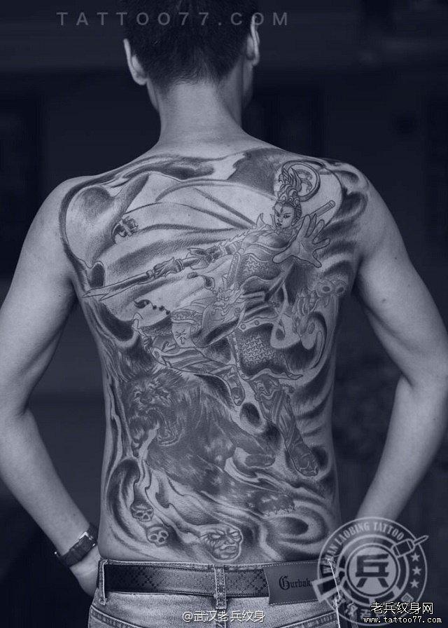 满背二郎神纹身作品图片
