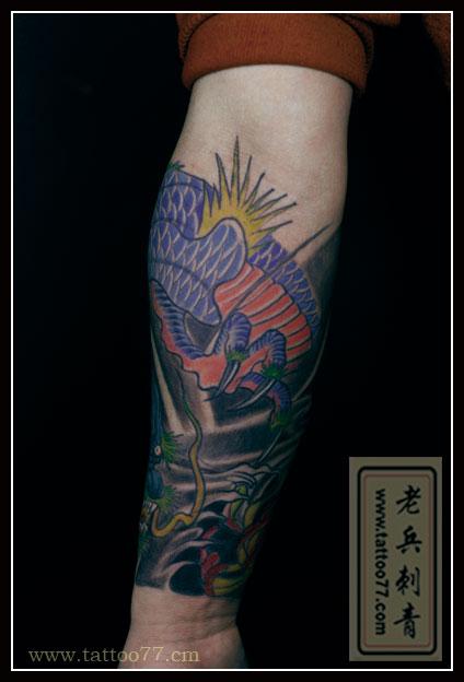 小花臂龙纹身图片