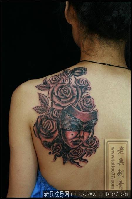 武汉纹身培训学习学校打造一款玫瑰面具纹身作品
