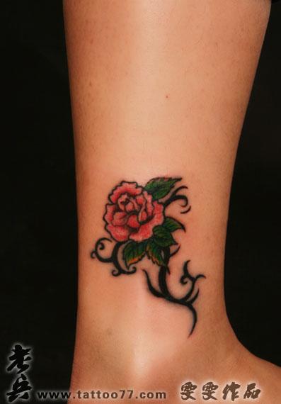 武汉纹身店:腿部玫瑰纹身图案