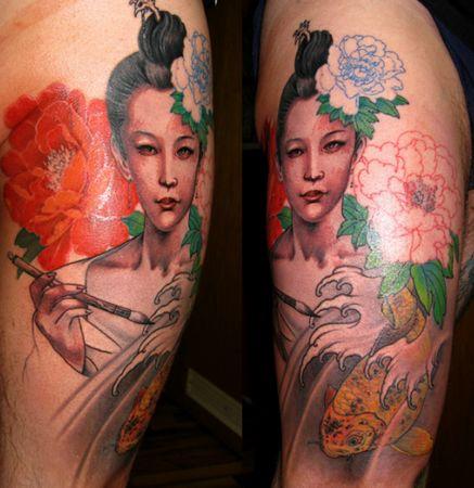 腿部彩色美女牡丹花鲤鱼纹身图案纹身图片