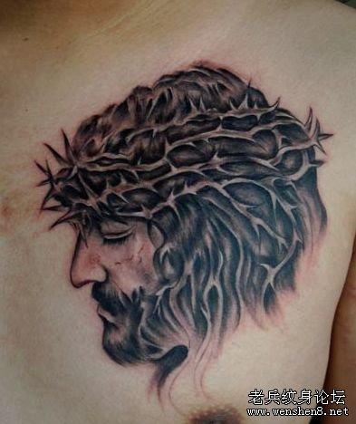 一款胸部耶稣头像肖像纹身图案纹身图片