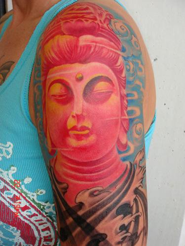 彩色观音头像纹身图案大全-一款大臂彩色观音头像纹身图案纹身图片图片
