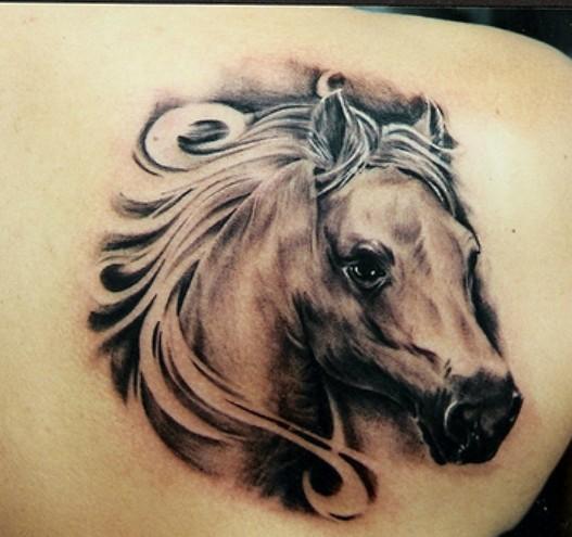 武汉专业纹身店 后背马头纹身 tattoo 图片大全