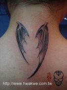 湖北武汉文身店:后颈部翅膀纹身(tattoo)图案图片大全