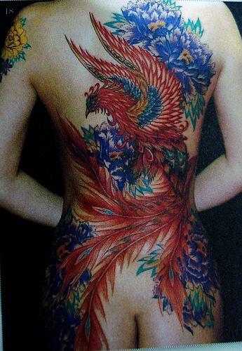 专业纹身店:美女满背凤凰牡丹文身图案图片大全