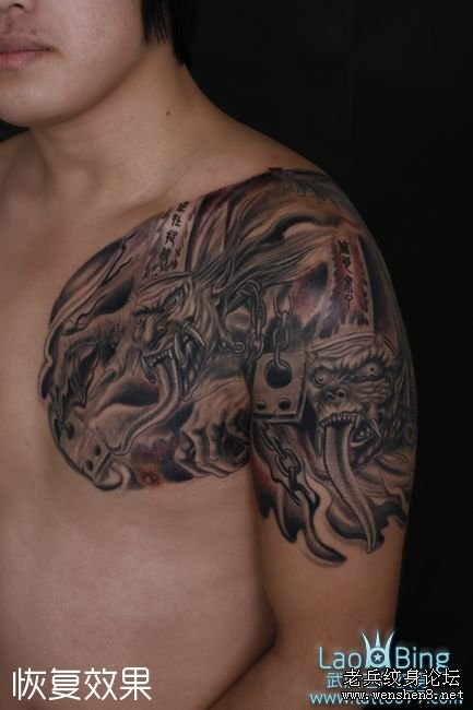 武汉专业纹身店:黑白无常鬼纹身图案的传说图片