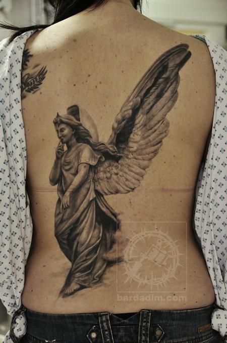 后背黑白素描天使纹身图案图片大全
