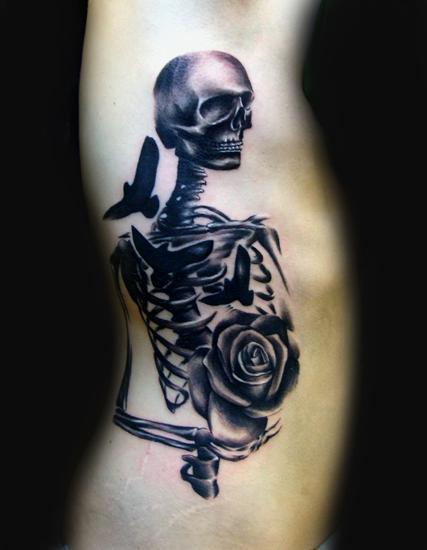 黑色骷髅玫瑰纹身图案大全