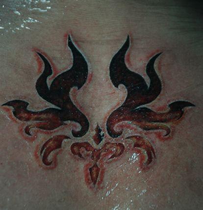 背部彩色月亮星星纹身图案 0 (1) 33.