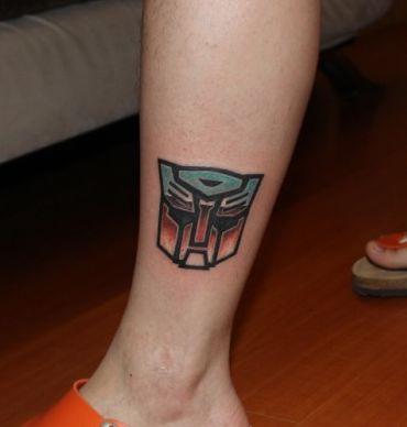 手部变形金刚肖像纹身图案