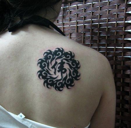 的图腾腰花纹身图片_第1张图片_图腾纹身图案_纹身