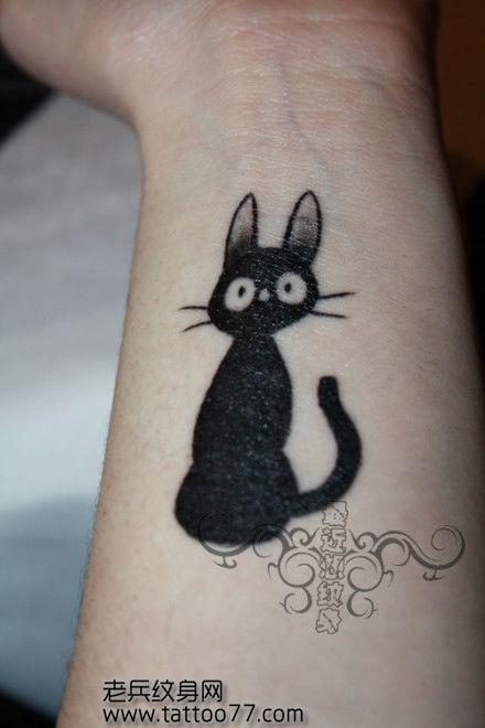 女生手臂图腾猫咪纹身图案