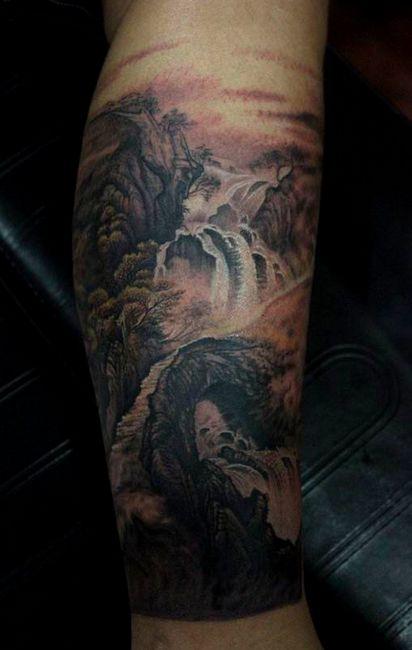 腿部经典唯美的山水画纹身图案