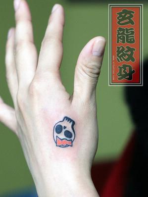 女孩子手部图腾小骷髅纹身图案