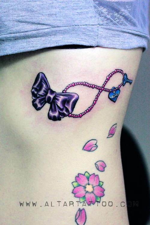 推荐一款蕾丝蝴蝶结纹身手稿图案