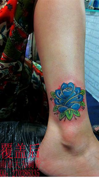 好看的欧美风格玫瑰花纹身图案图片
