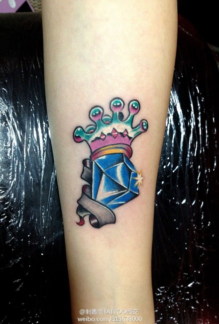 女生手部小纹身皇冠_第2页_纹身图案大全