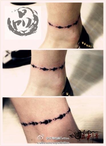 呀的脚链纹身图案