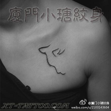 可爱的图腾大象纹身图案