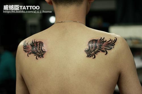 一大家对有纹身男人有什么看法?正常人!