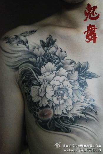 白牡丹花纹身图案