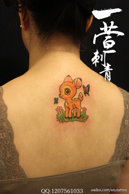 男人前胸帅气的大象纹身图案