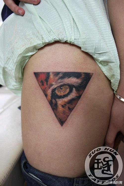 欧美小腿纹身艺术