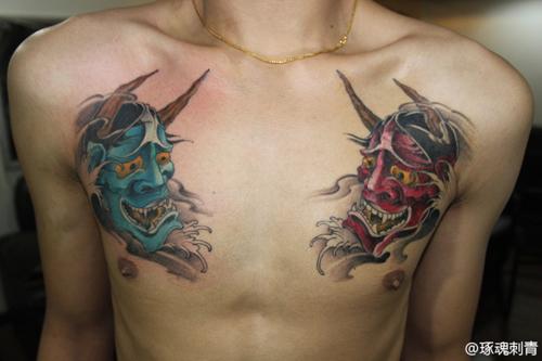 男人胸部帅气经典的般若纹身图案图片