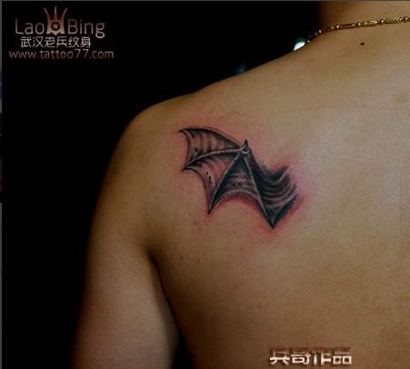 恶魔翅膀纹身图案图片