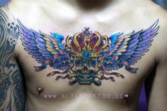皇冠与翅膀纹身图案