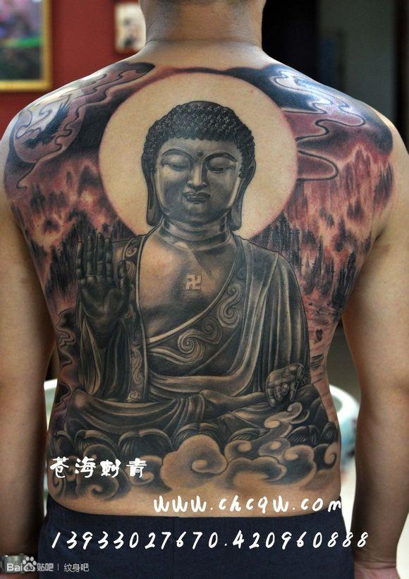 男人背部帅气超酷的满背如来佛主纹身图案