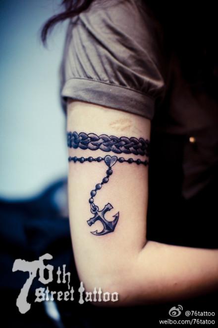 女孩子喜欢是手臂手链纹身图片