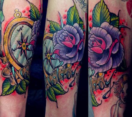 玫瑰纹身图案大全; 超时尚的手臂school玫瑰花指南针纹身图案图片; 超