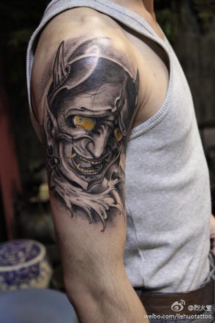 男人手臂霸气超酷的般若纹身图案图片
