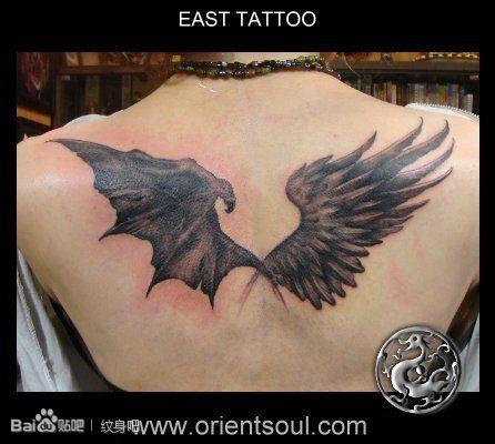 使一半恶魔翅膀纹身图案图片