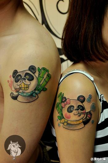 手臂可爱的情侣熊猫纹身图案