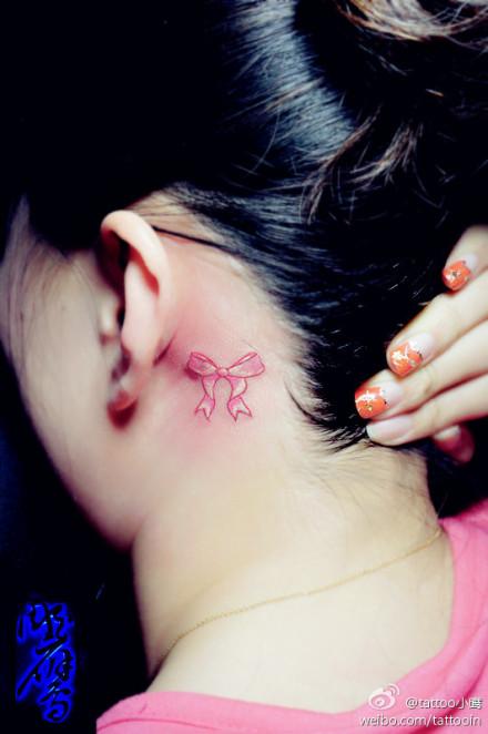 的蝴蝶结纹身图案