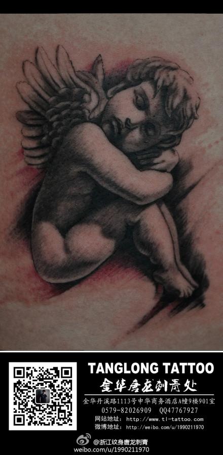 一款可爱的丘比特纹身图案
