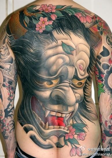 男人后背潮流经典的传统般若纹身图案