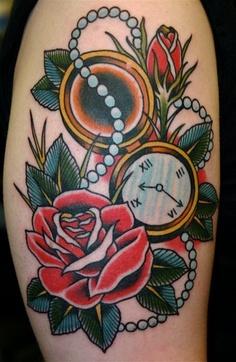 推荐一款school风格怀表玫瑰花纹身图案