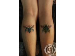 女生腿部精美的小船锚纹身图案