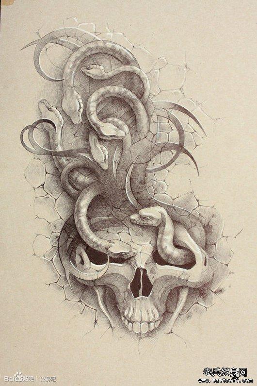 一款超酷经典的骷髅与蛇纹身手稿