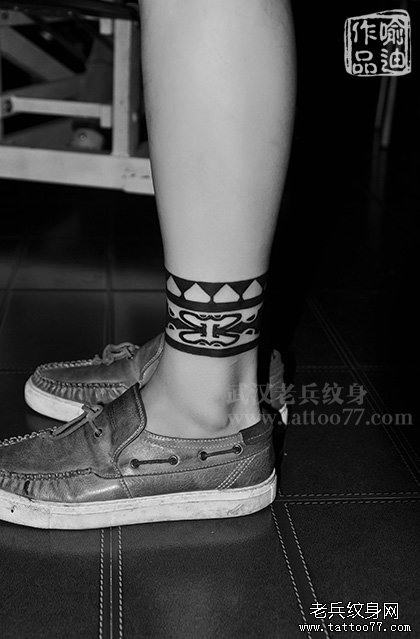 武汉最好纹身店打造的脚踝图腾纹身作品高清图片