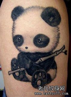 推荐一款熊猫纹身图案
