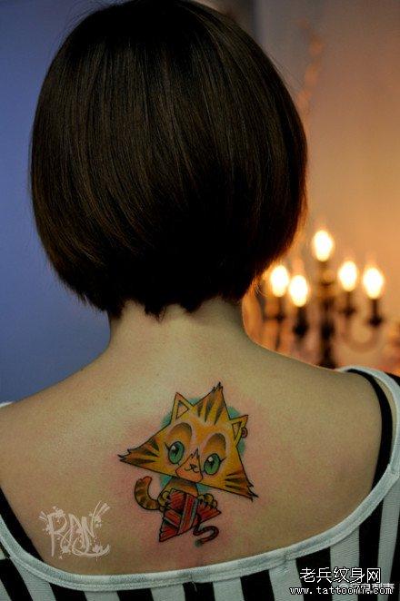 纹身图案 女生纹身图案三角形 > 莲花,背部纹身  女生脚踝小图案纹身图片