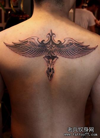 推荐一款翅膀纹身图案
