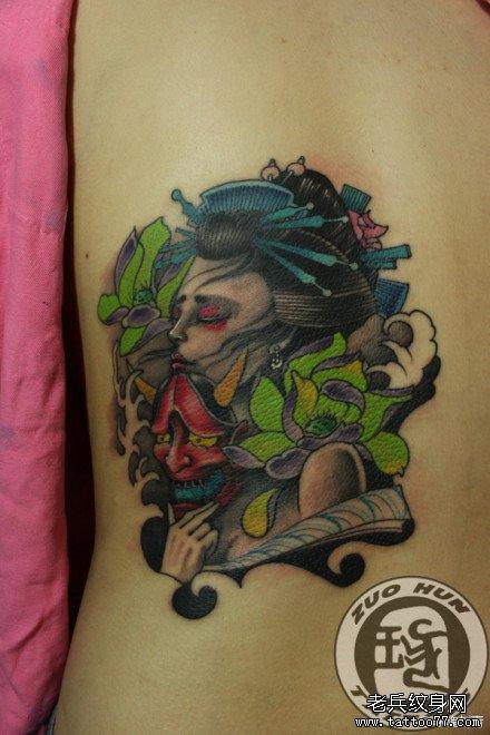 手稿鹿角的女孩纹身图案